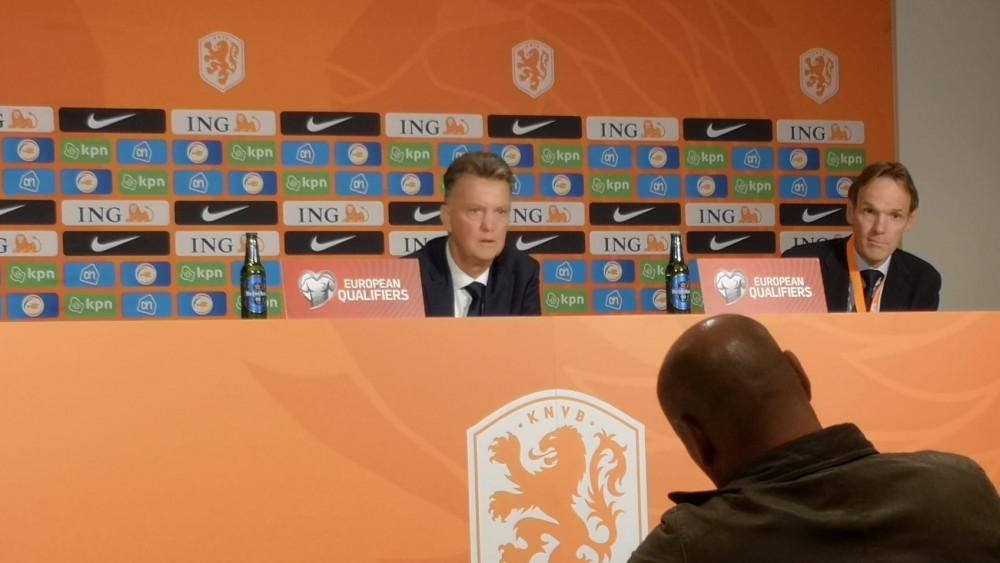 Louis van Gaal persconferentie Nederland - Montenegro